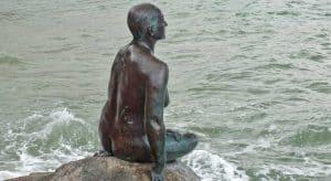 Kunstenaar Cornelia Parker bezoekt Workum cornelia-parker-folkestone_harbour_mermaid